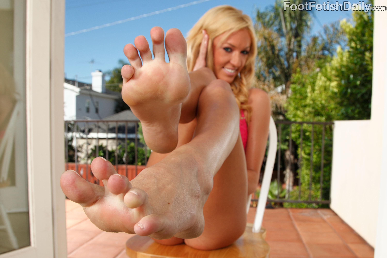Victoria white footjob