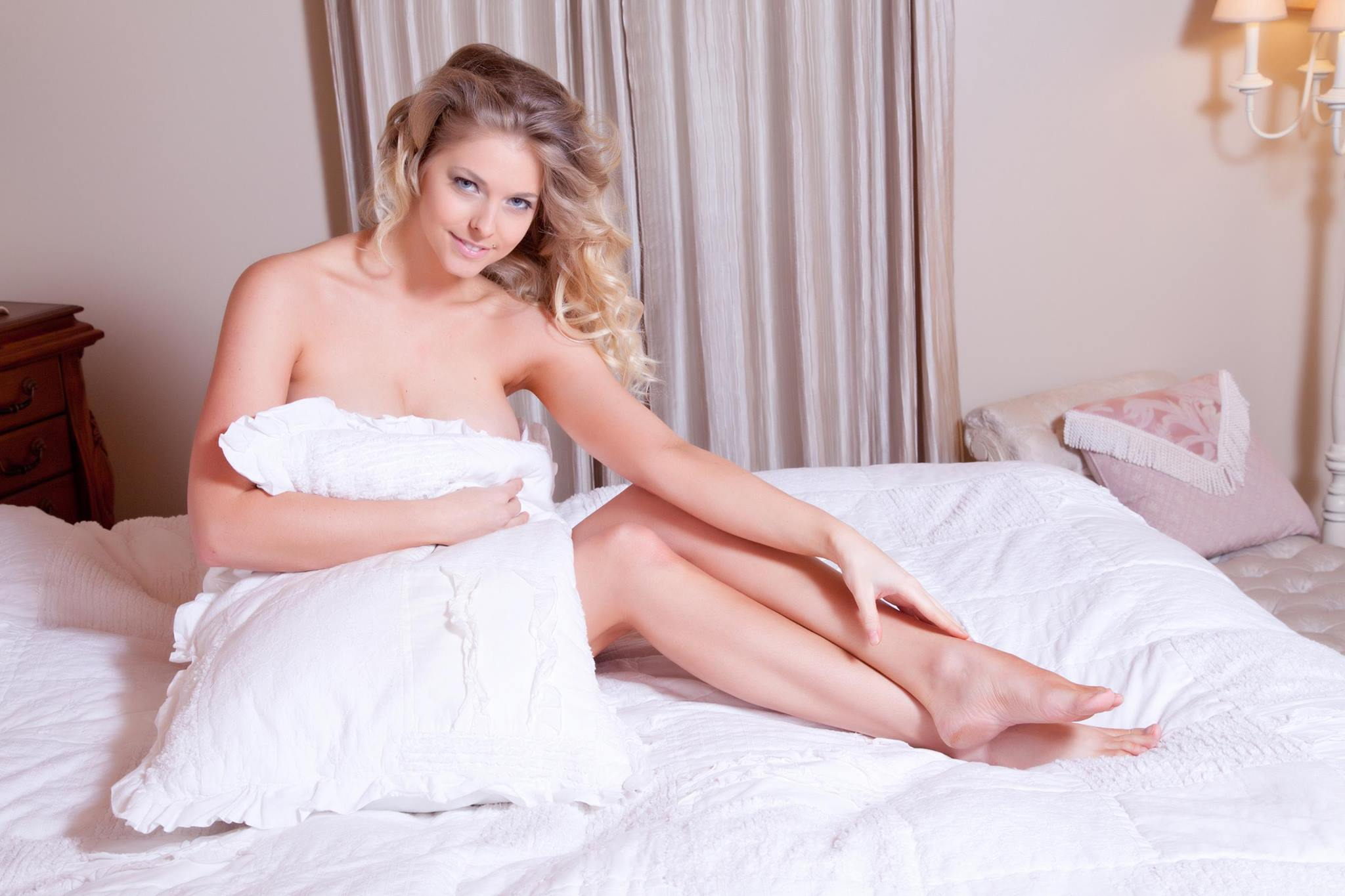 Victoria Winters's Feet