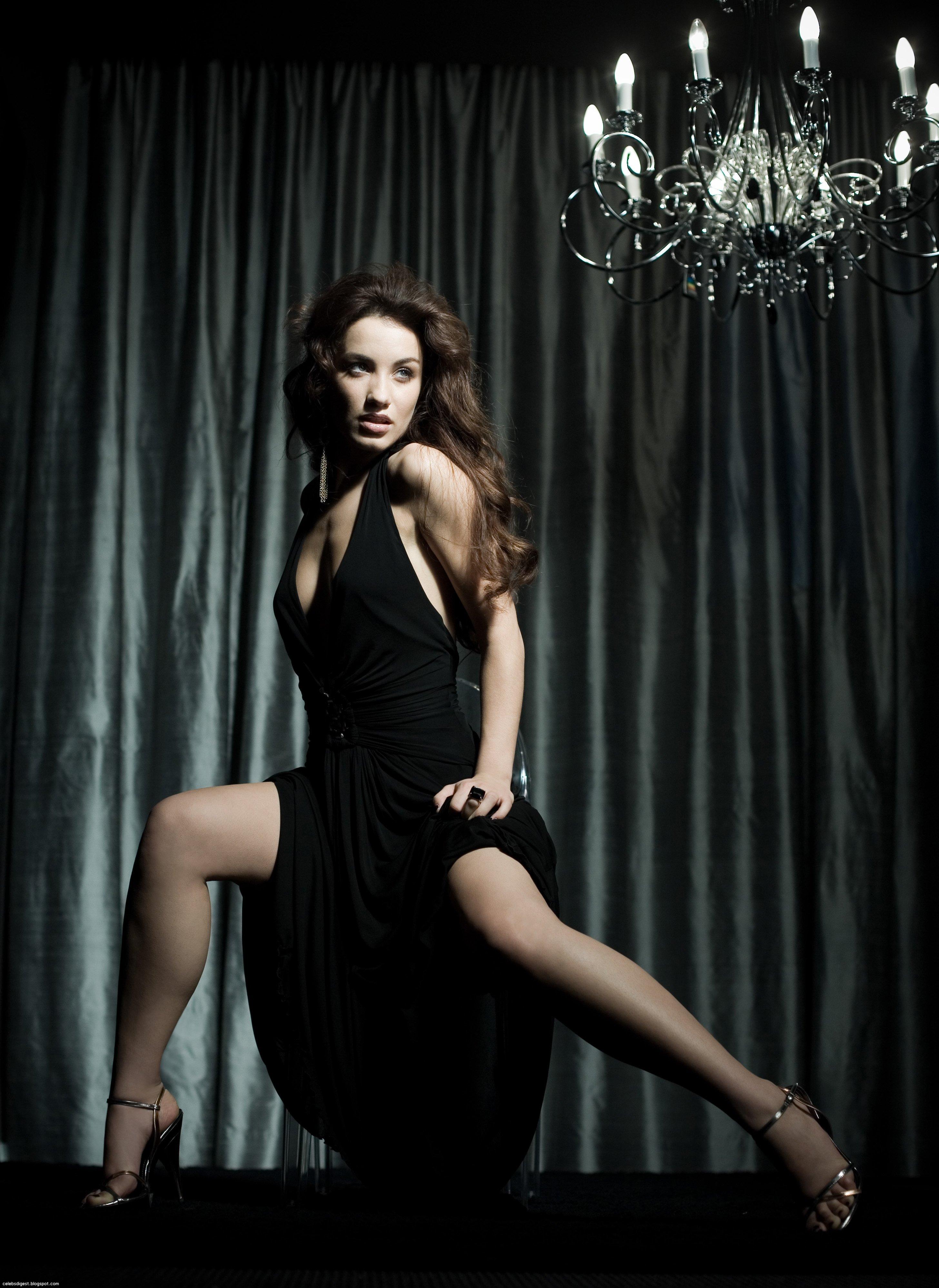 Виктория Дайнеко (Victoria Daineko) в фотосессии для альбома Иголка