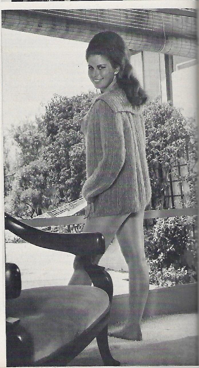 Vincene Wallace Nude Photos 13