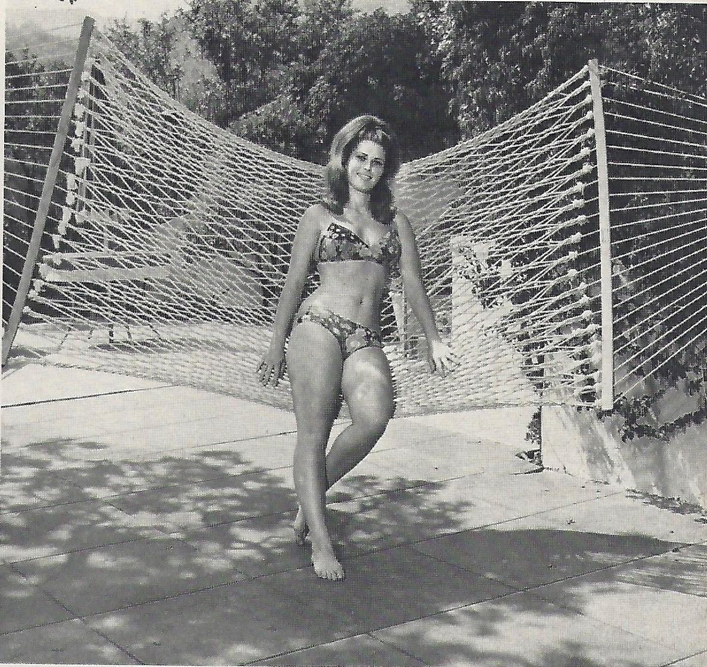 Vincene Wallace Nude Photos 39
