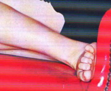 Constance Wus Feet