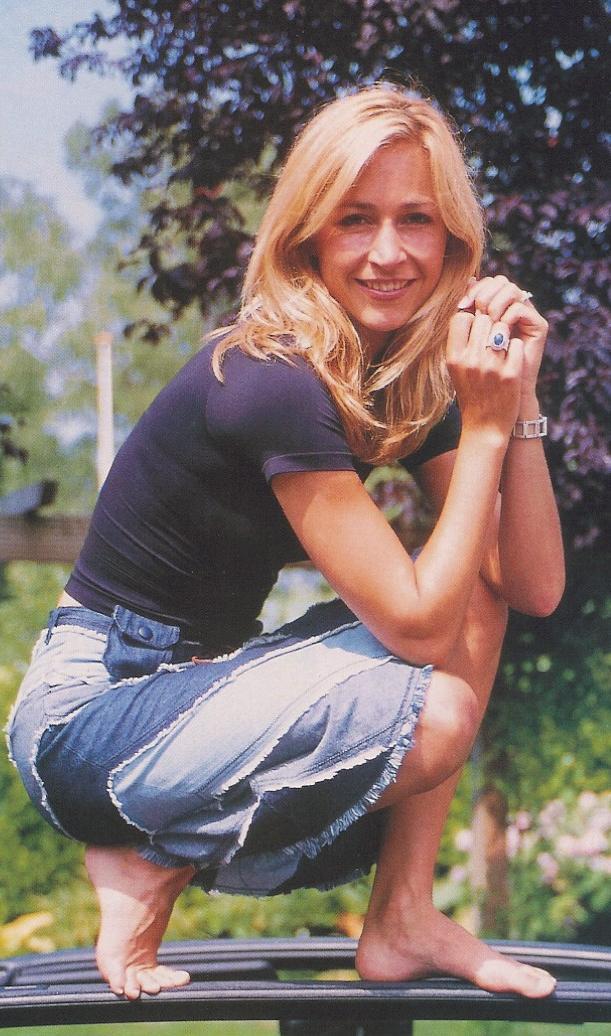 https://pics.wikifeet.com/Wendy-Van-Dijk-Feet-797454.jpg