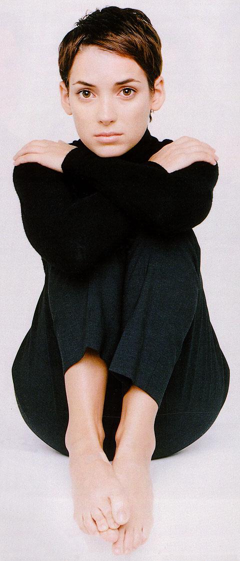 https://pics.wikifeet.com/Winona-Ryder-Feet-33902.jpg