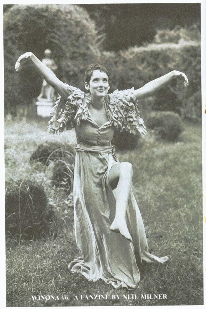 https://pics.wikifeet.com/Winona-Ryder-Feet-57356.jpg