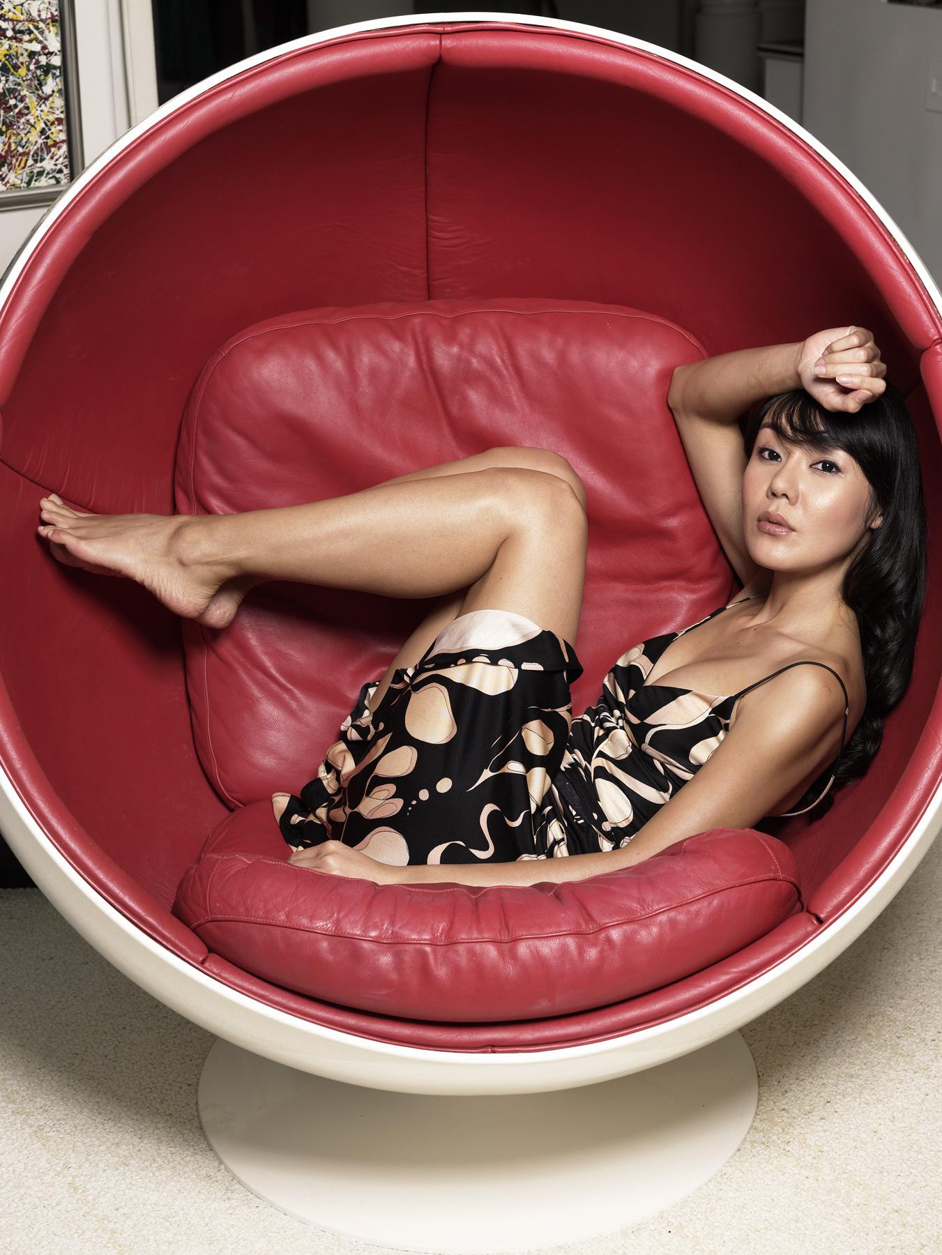 https://pics.wikifeet.com/Yunjin-Kim-Feet-1543004.jpg