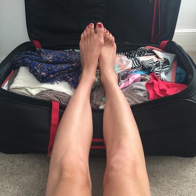 Yvonne Strahovski's Feet