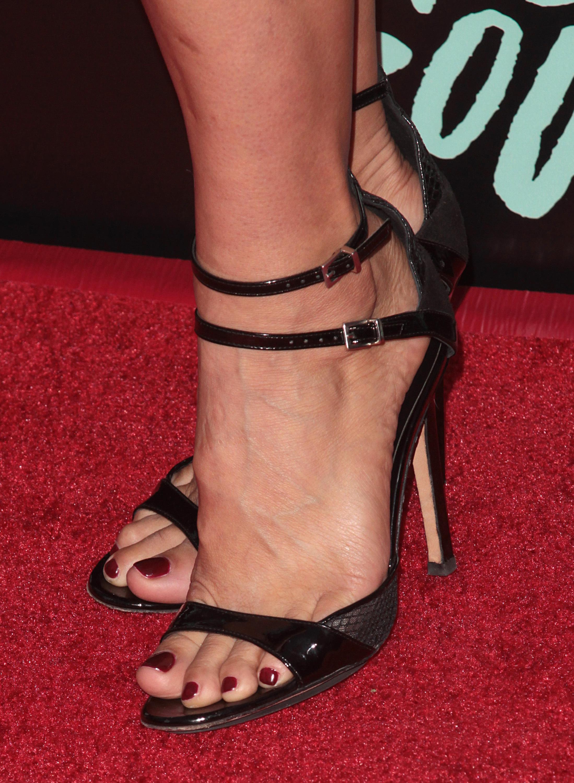 Zoe Bells Feet Wikifeet