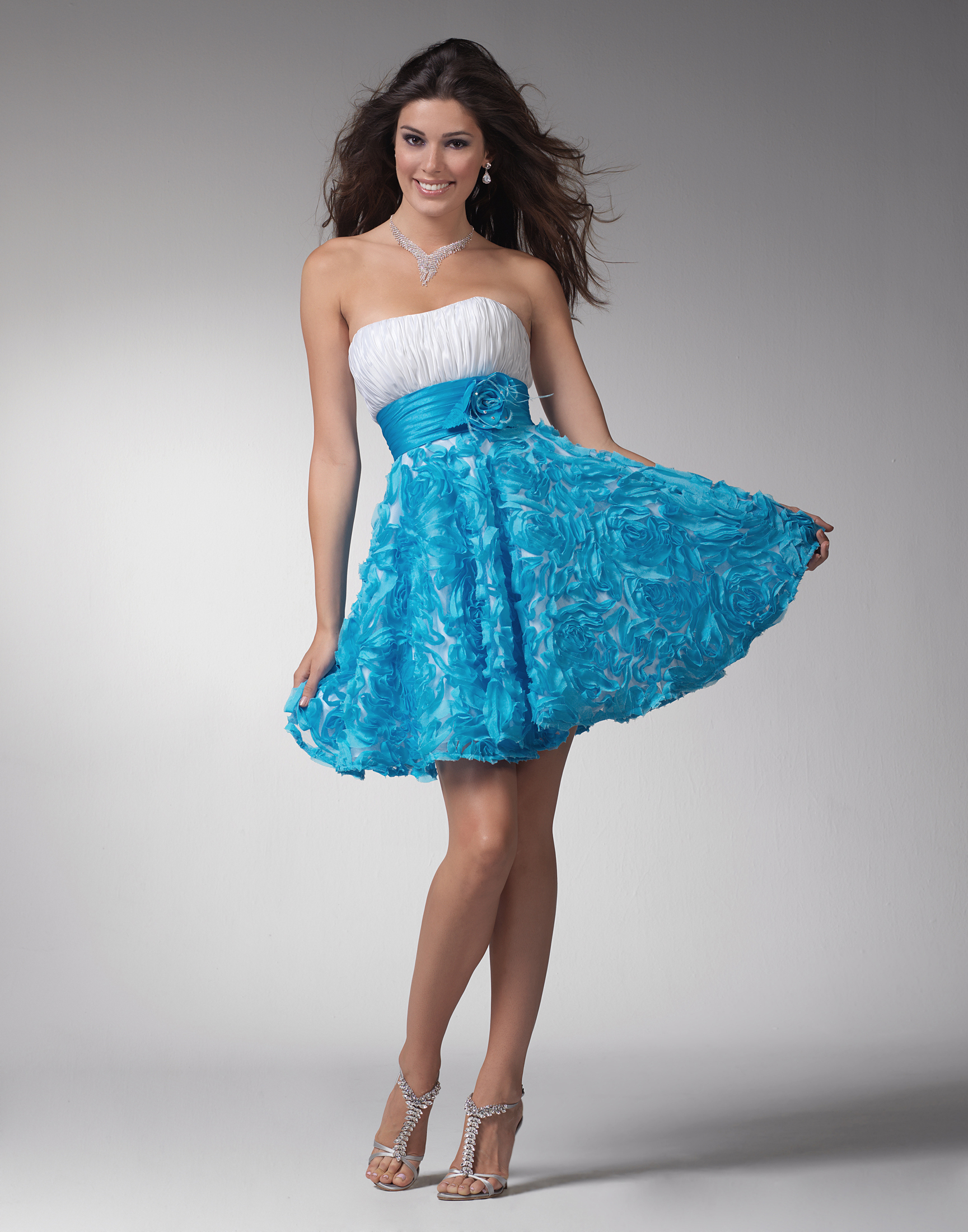 Фото девочка в платье коротком 10 фотография