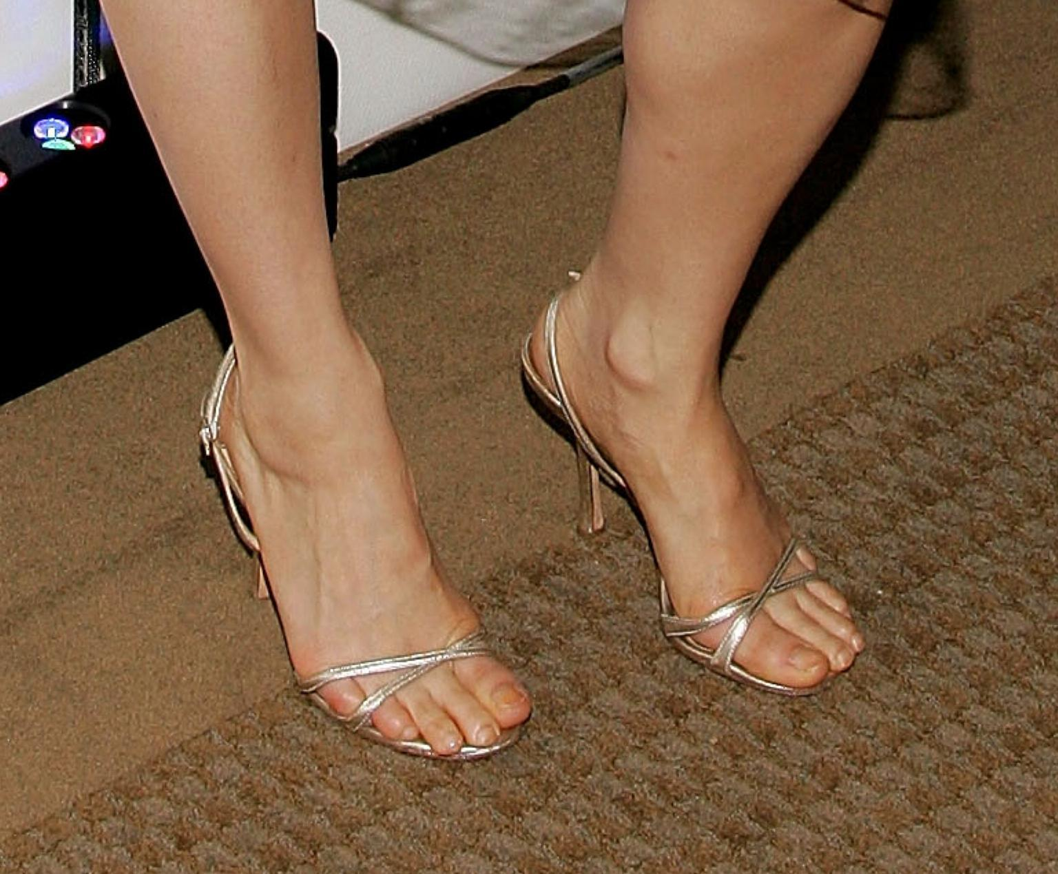 Hot Legs And Feet Pictures Page